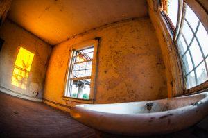 Bath Tub, Clawfoot, Stonewall Jackson, Stonewall Jackson School, Concord NC, Urban Exploring, Urbex, Abandoned, Justin Driscoll Photography, Justin Driscoll
